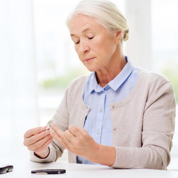 Why do women behave differently with diabetes?